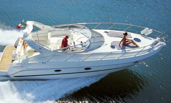Motoryacht Cranchi day excursion with skipper up to 11pax Can Picafort