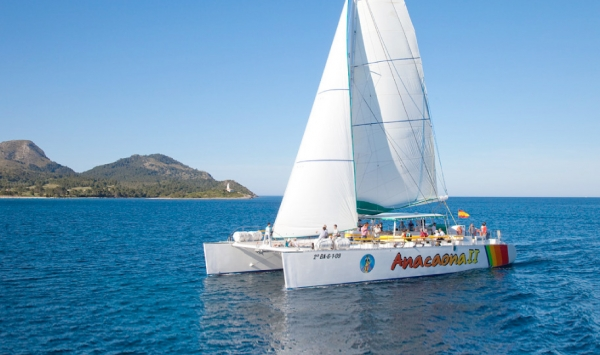 Fantastic trip on a sailing catamaran