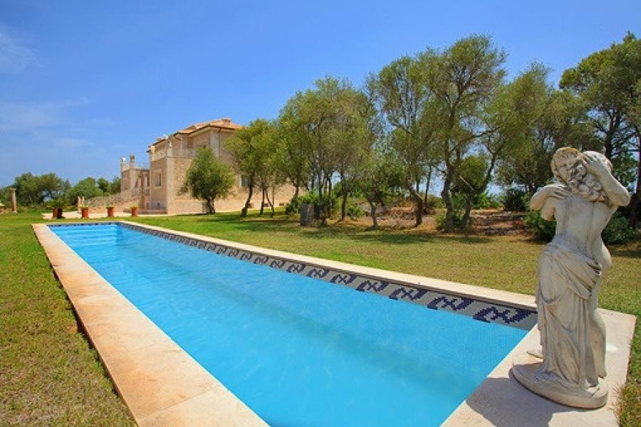 offshore mallorca beeindruckende luxus villa auf dem. Black Bedroom Furniture Sets. Home Design Ideas