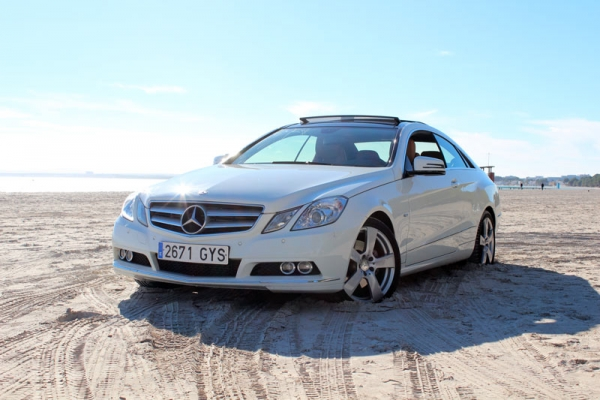 Mercedes Benz CLK Cabriolet for 4 Pax to rent
